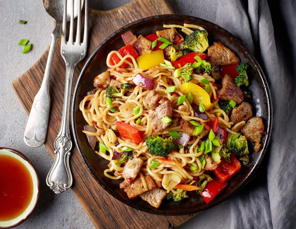 noodles-with-meat-and-vegetables-PGQ9Z9M-min